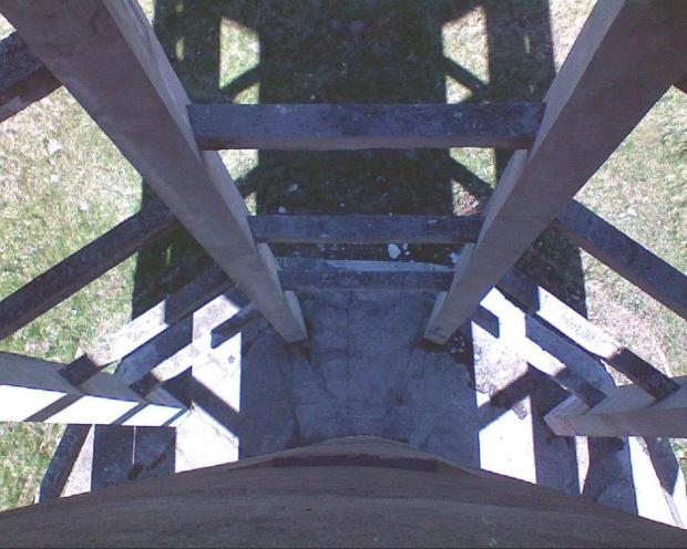 Wieża ciśnień przy ulicy Cegielnianej... Kierunek .... down.. :-) #WieżaCiśnień #wieża #hydro #woda #ciśnienie #wodociągi #rury #wiosna #tomaszów