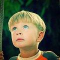 ...dawno temu na huśtawce... #humor #chłopiec #baby #dziecko #dzieci #ludzie #Wiosna2007 #wiosna #wakacje #niebieski #oczy