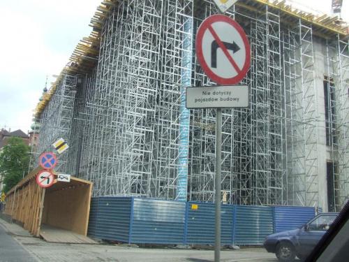 #rusztowanie #budynek #ZnakDrogowy