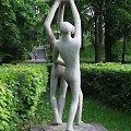 20 V 2007- Taka sobie figurka w parku, schody do parku #Muszla #TomaszówMaz