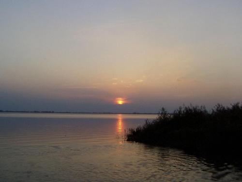 Nieustająco ulubione, zaciszne miejsce nad jeziorem Miedwie. #ZachódSłońca